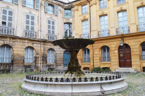 AIX-EN-PROVENCE avec France.fr